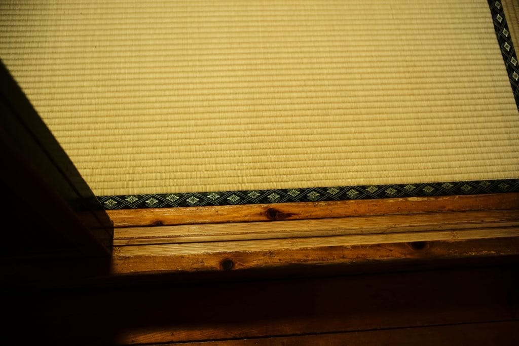 Tatami and Shikii threshold