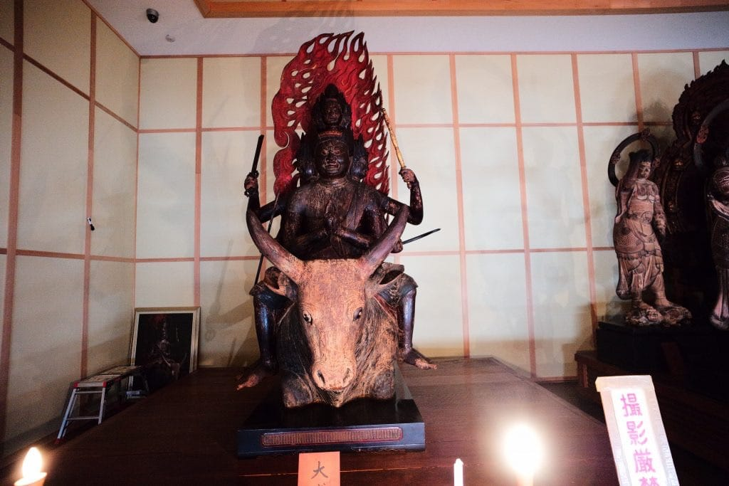 Maki Odo is a must-visit location for Buddha figure fanatics. Daitoku Myoo who has six faces, arms and foots, and is mounting a white buffalo.