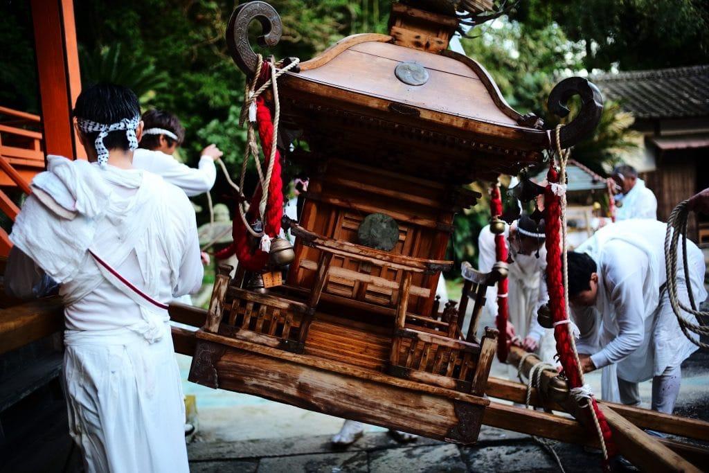 All Sudden Omikoshi Crossed the Road at Tsuiki, Bungo-Takada